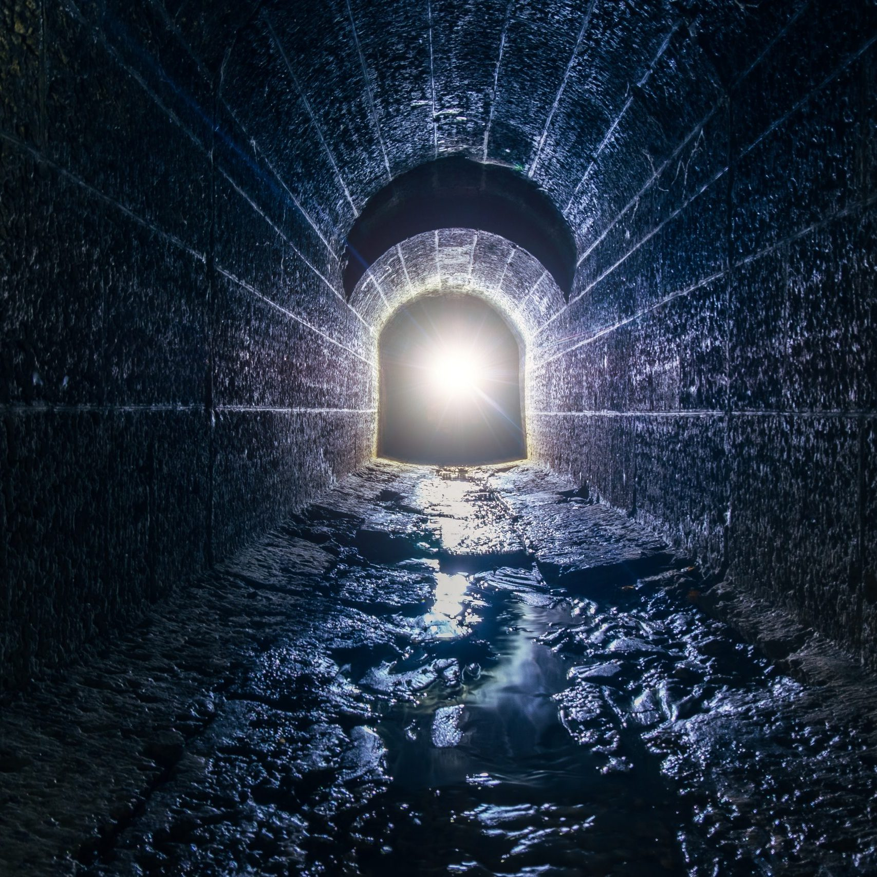 Dark,And,Creepy,Old,Historical,Vaulted,Flooded,Underground,Drainage,Tunnel